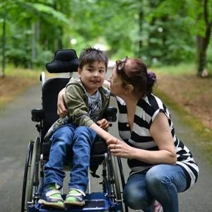 Сколько получают инвалиды детства