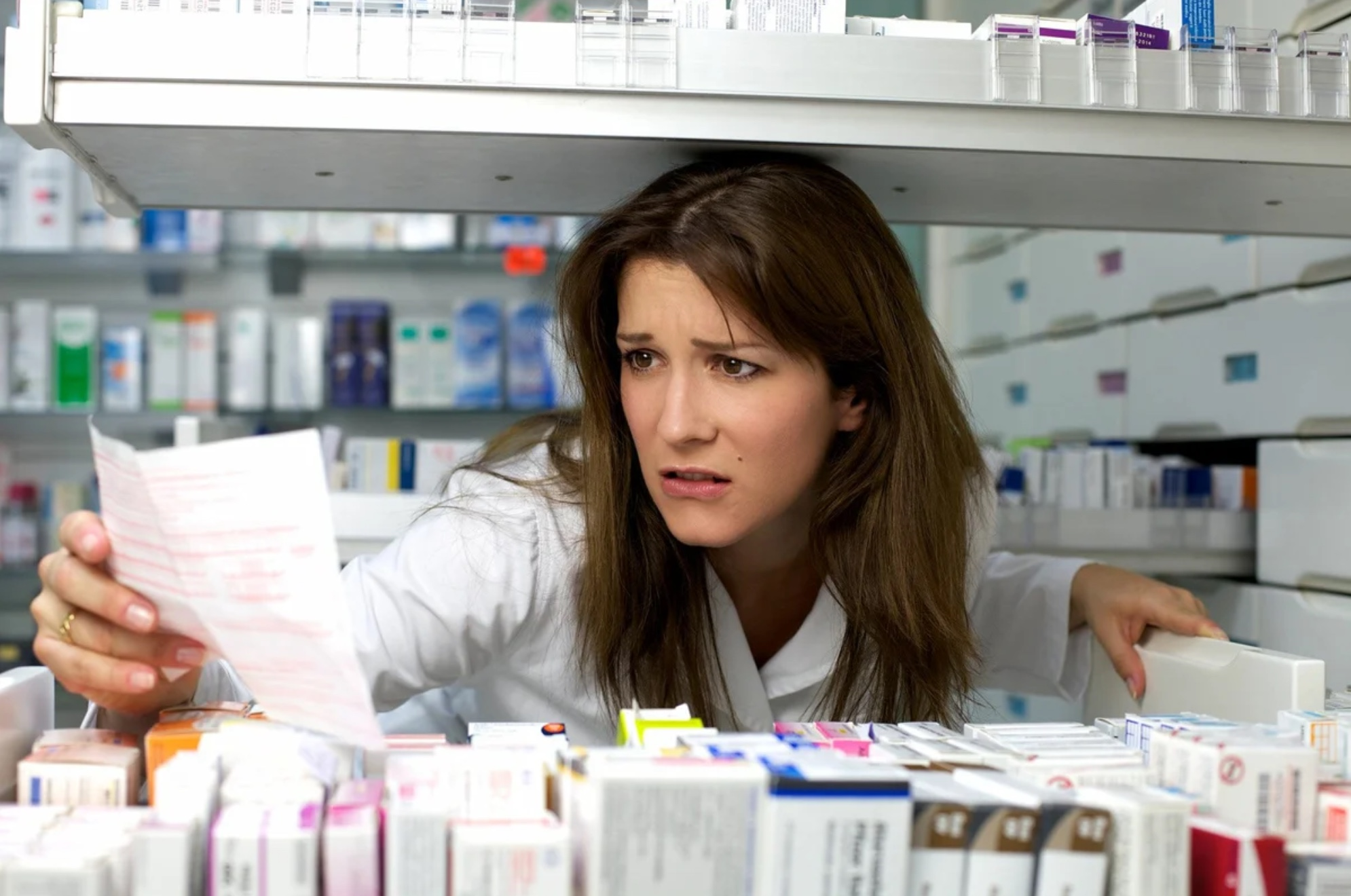 С проблемами при покупке лекарств столкнулось более трети россиян