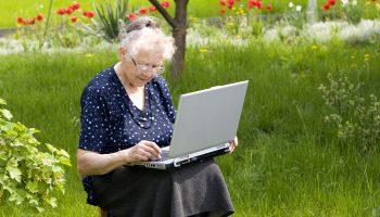 Пенсия работающим пенсионерам 2021, когда будет перерасчет