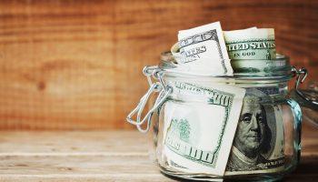 Храните сбережения в долларах? Ждите неприятных сюрпризов