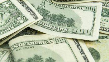 Что будет со сбережениями россиян после отказа от американского доллара, который уже начался?