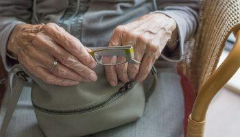 Пенсионерка пожаловалась Володину и получила прибавку к пенсии