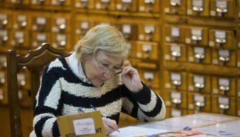 Почему так трудно повысить пенсии работающим пенсионерам? Что останавливает правительство России?