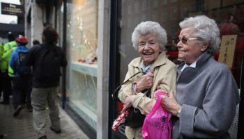 Индексация выплат работающим пенсионерам с 1 августа: кому и сколько прибавят