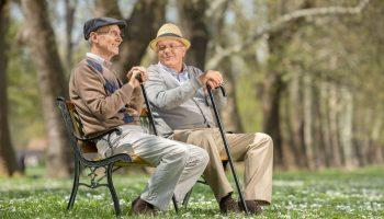 ПФР разъясняет: кто в России имеет право на повышенную пенсию