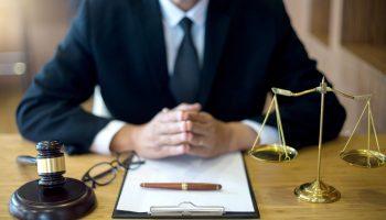 Бесплатная юридическая консультация по телефону: как получить, кому положена