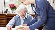 Сколько получают по уходу за пенсионером старше 80 лет